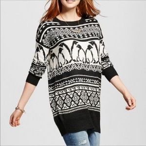 Mossimo Supply Co. Penguin Sweater Size Medium